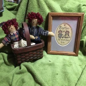 Country Basket Raggedy Ann  &Andy W/ Picture Frame